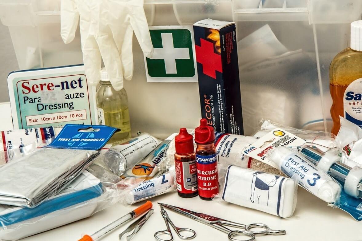 Botiquín de primeros auxilios básico